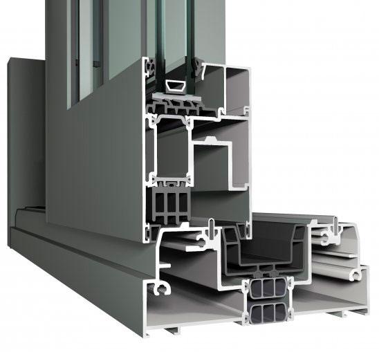 Sistema de cerramiento, referencia Concept Patio® 155 de Reynaers. Disponible con diferentes posibilidades de apertura. Permite la creación de puertas de dimensiones extremas