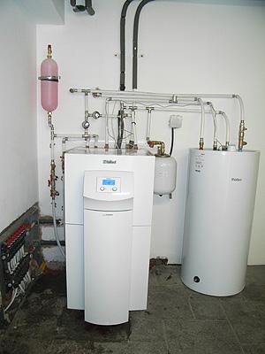 Instalaci n de calefacci n por suelo radiante con bomba de for Calefaccion bomba de calor radiadores