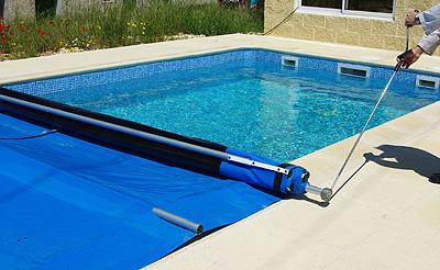 Nuevo cobertor de seguridad para piscinas de productos qp for Mantenimiento piscina invierno