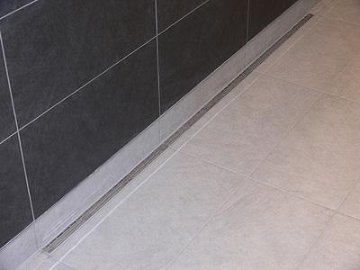 El desag e de ducha m s bajo del mercado ahora con sif n for Desague ducha