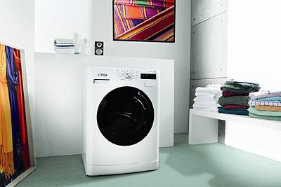Whirlpool presenta 6th SENSE Colours, la única lavadora que piensa en color  | Construnario.com