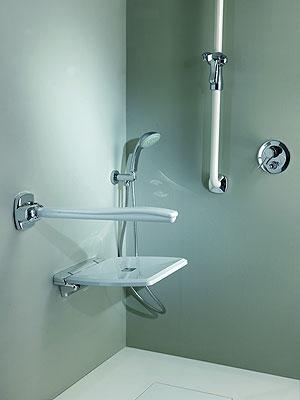 Mediclinics presenta un nuevo asiento para ducha abatible for Asientos para duchas