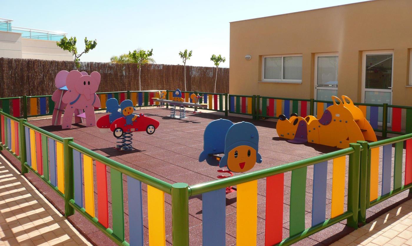 10 claves para un parque infantil seguro for Parques de barcelona para ninos
