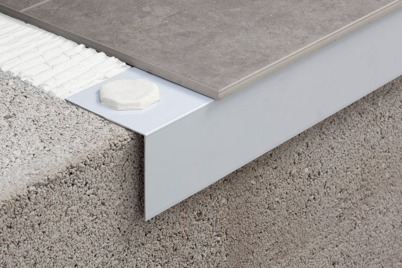 Nuevos perfiles vierteaguas para balcones y terrazas de for Remate de terrazas