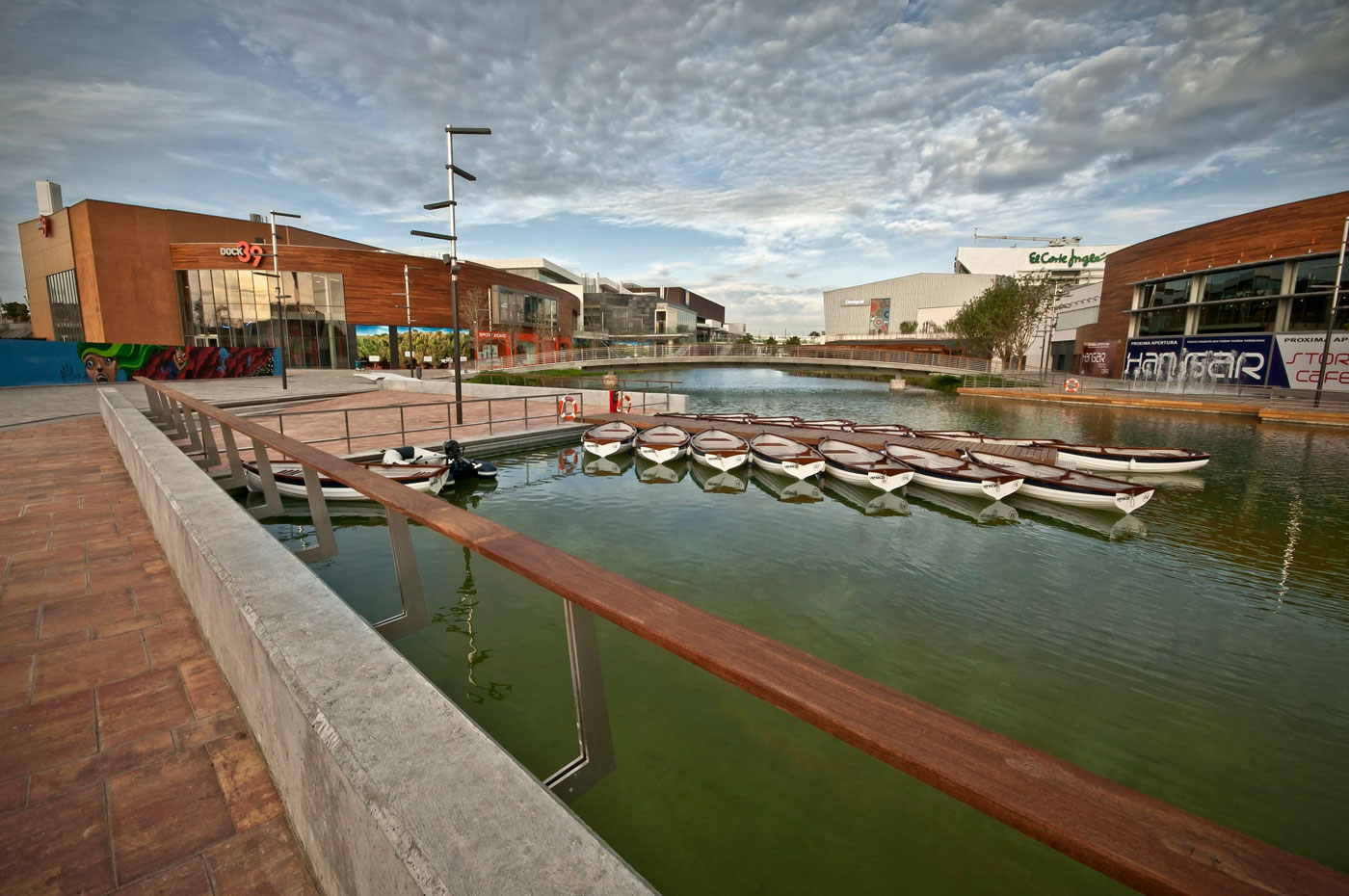 Dise o y ac stica rockfon en el centro comercial puerto venecia - Centro comercial puerto venecia zaragoza ...