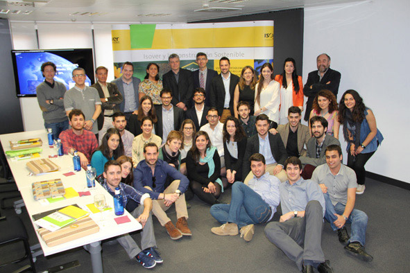 El equipo de estudiantes de la Universidad Politécnica de Cataluña ganador  del Concurso Isover Multi-ComfortHouse | Construnario.com