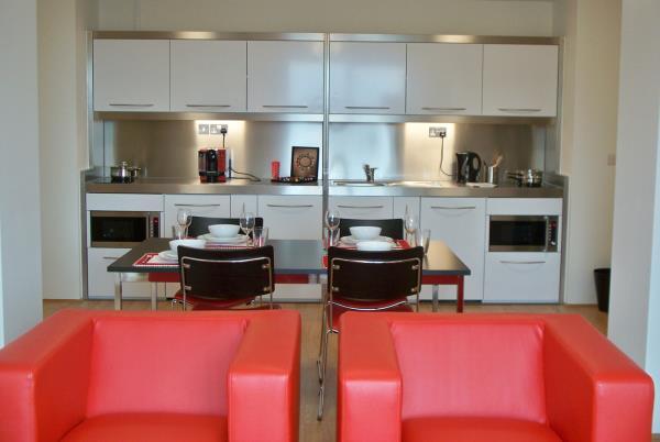 Mini cocinas en residencias y apartamentos de estudiantes for Cocinas para apartamentos