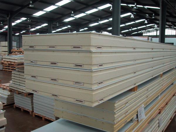 Uso instalaci n y mantenimiento de los paneles s ndwich de poliuretano - Paneles decorativos de poliuretano ...