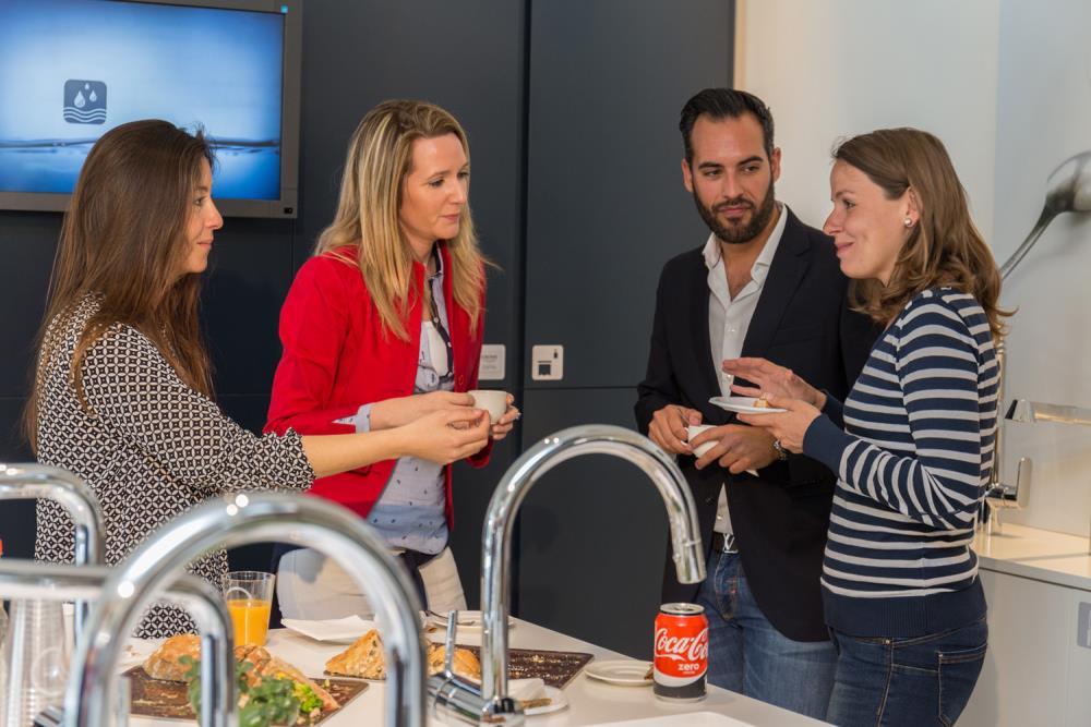 Grohe re ne a un grupo destacado de arquitectos baleares for Showroom grohe barcelona