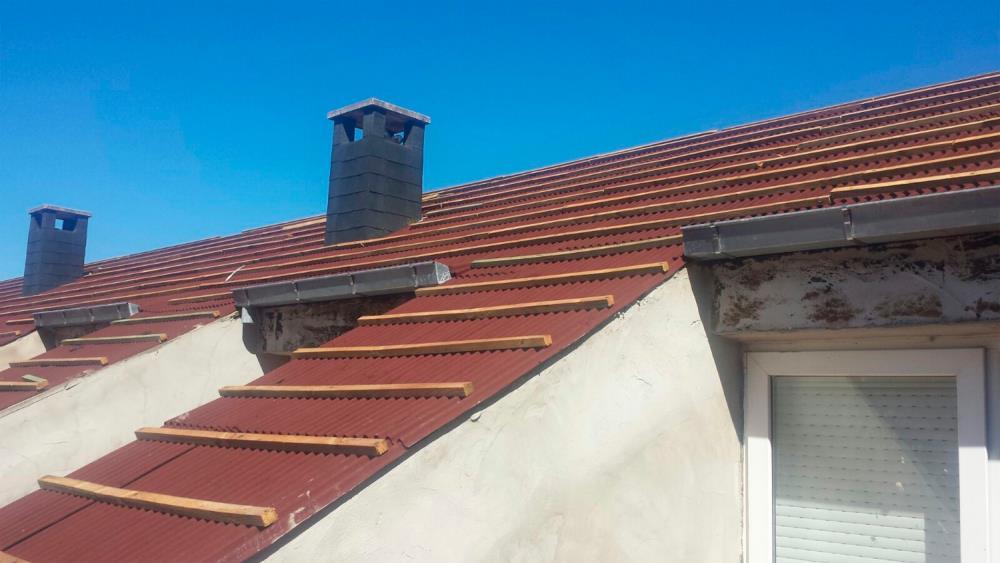 El sistema de impermeabilizaci n de tejados onduline bajo for Impermeabilizacion tejados de madera