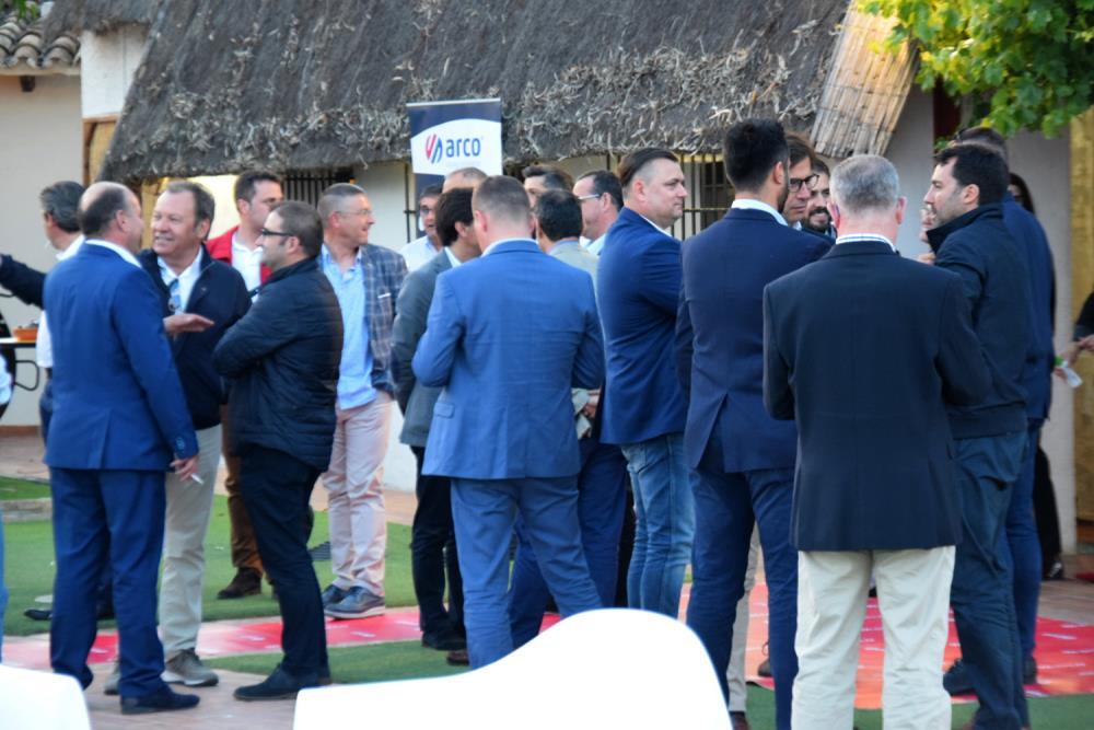 Arco celebra su ii encuentro top distribuidores for Eurobrico arco