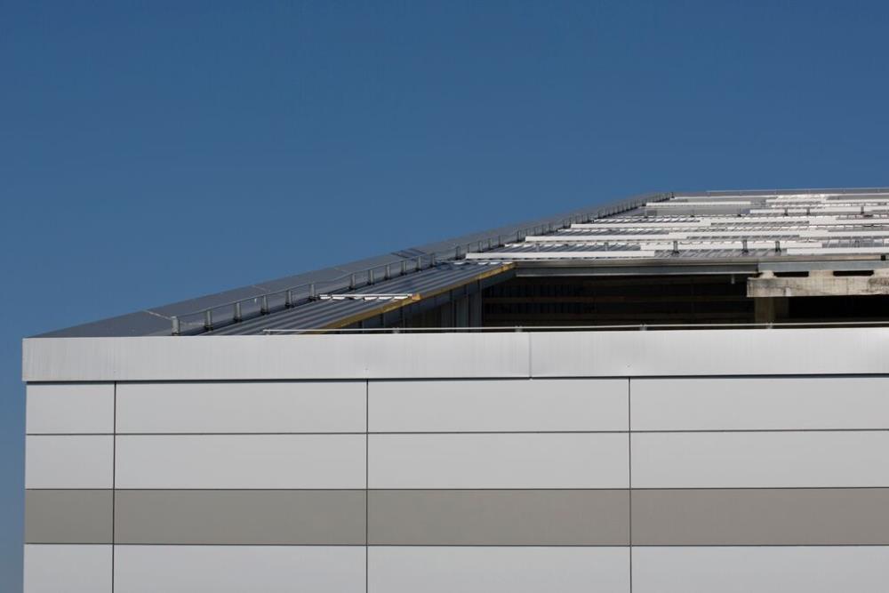 Isofire el panel aislante resistente al fuego de isopan for Paneles aislantes para fachadas